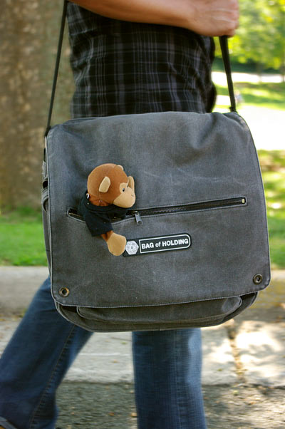Thinkgeek The Bag Of Holding Messenger Bag Review The